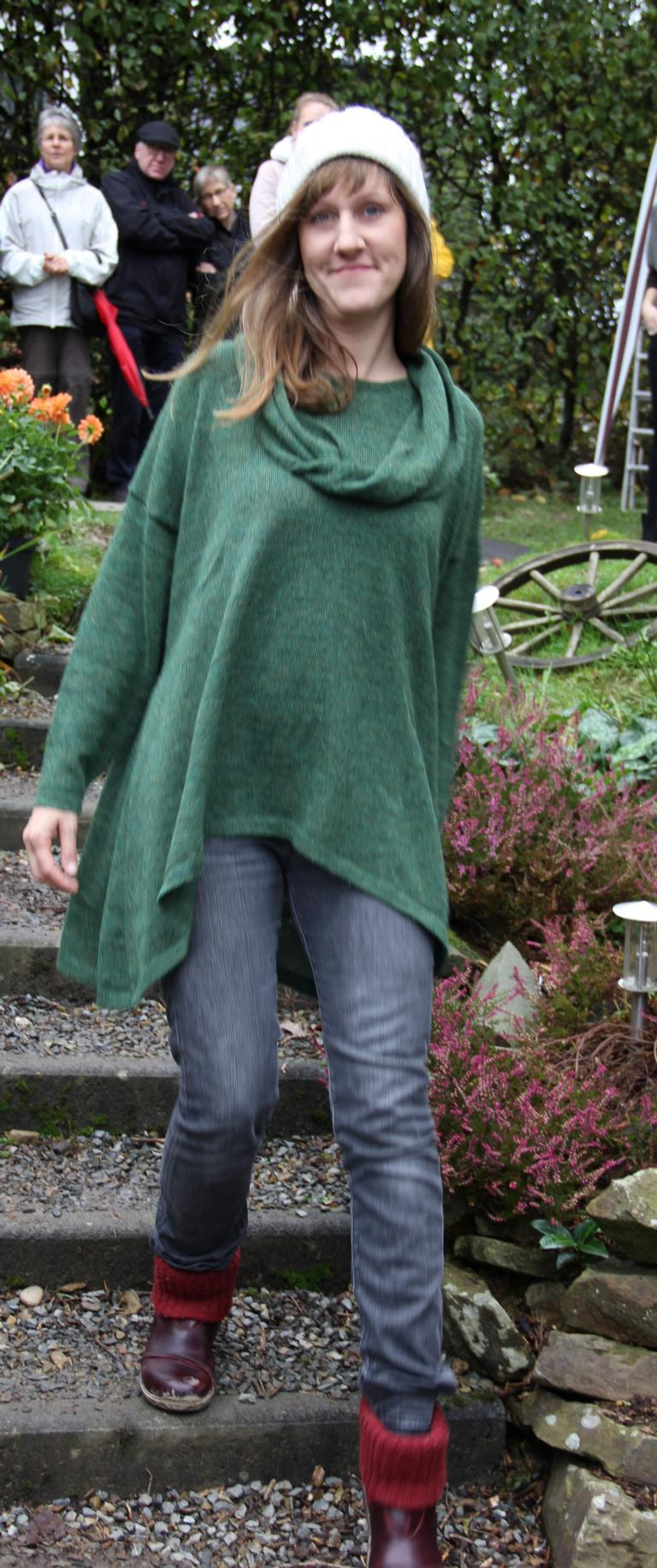 Pullover mit Schalappliqué natural style