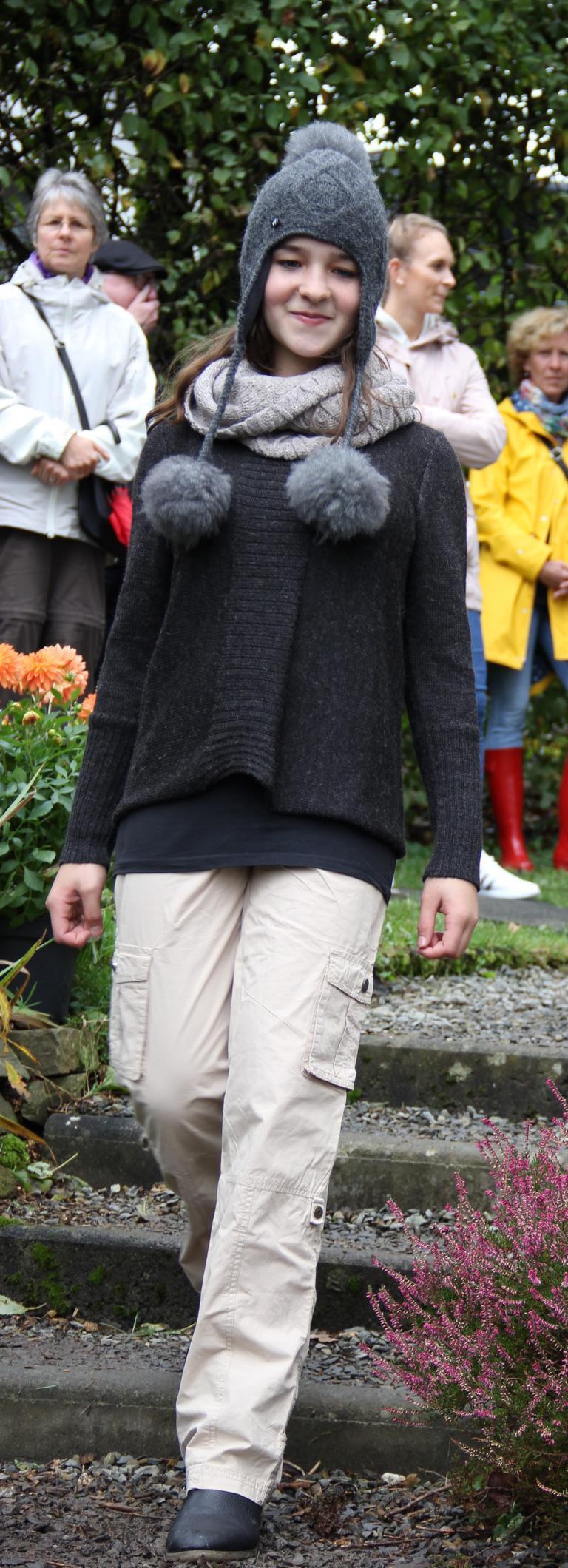 Pullover natural style + Mütze Millwa